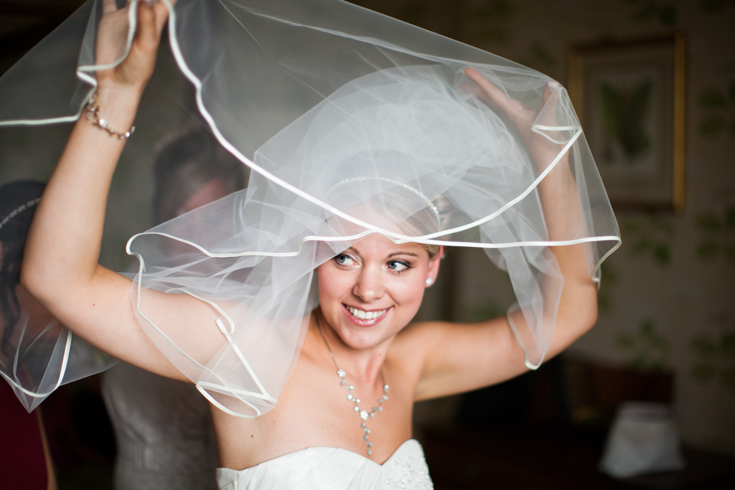 bride with veil at eastwell manor