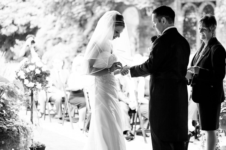 Bride-Groom-Exchanging-Vows