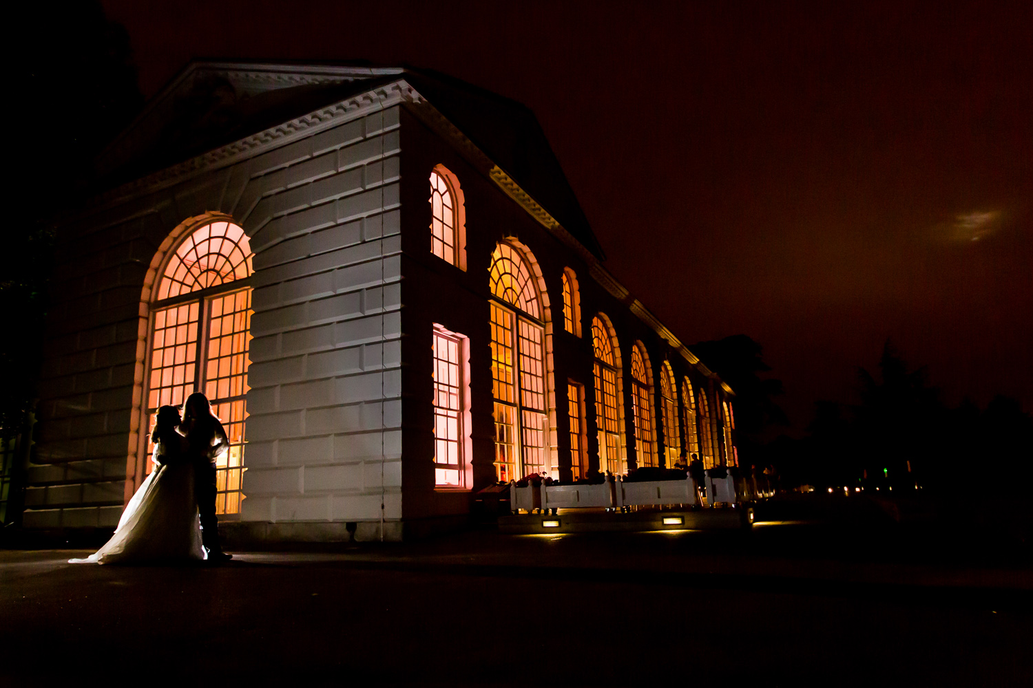 kew-gardens-wedding-bride-groom-night-silhouette-london-photographer