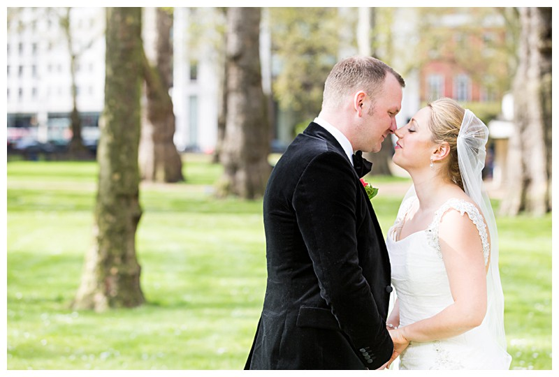 Stunning Wedding Photography Lansdowne Club Stunning Couples Portrait Berkeley Square Gardens