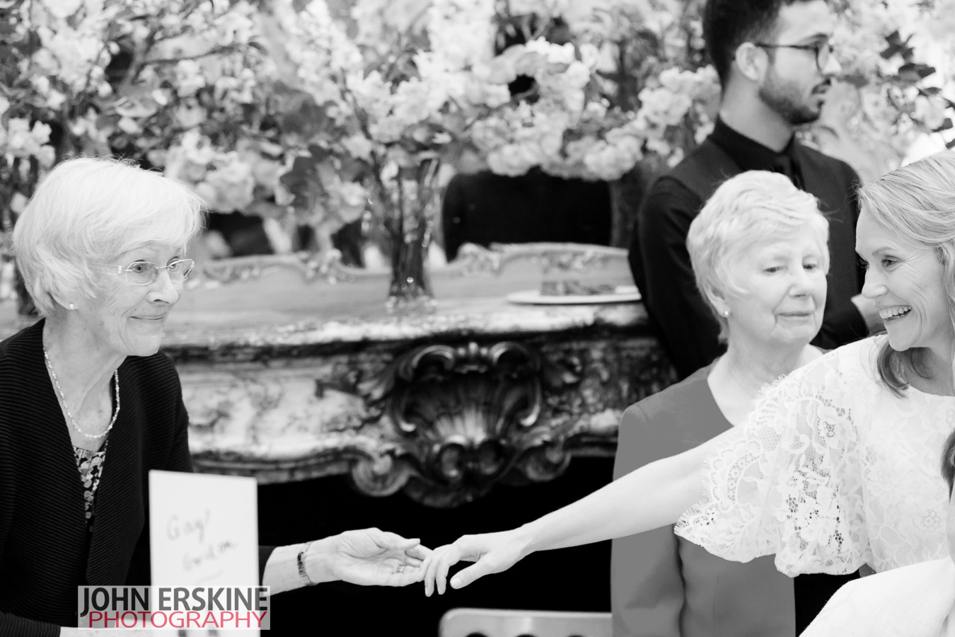 Special mother daughter moments on wedding day